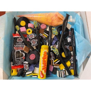 "Liquorice Lovers 9"" Sweet Pizza Box"
